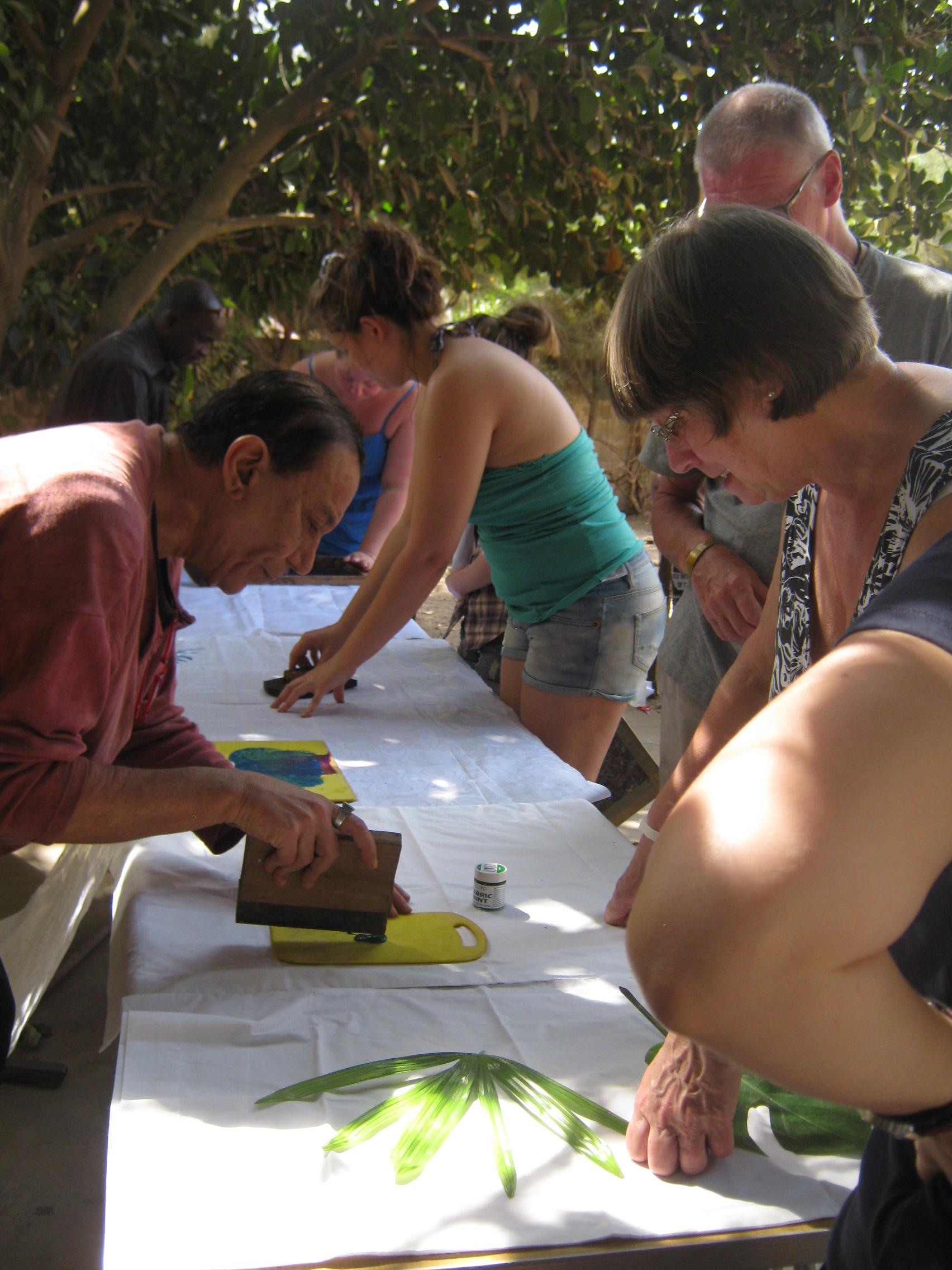 adult volunteer abroad